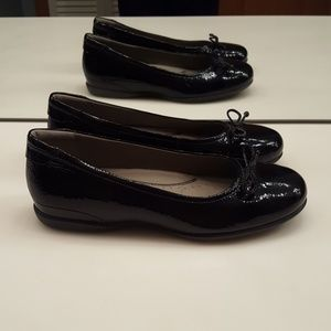 ECCO COSMIC BLACK LEATHER BALLERINA BOW FLATS